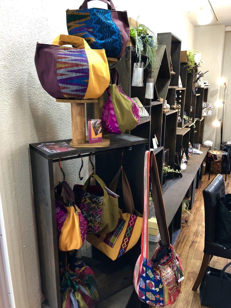 東京立川の新名所「BONS(ボンズ)」のギャラリーにバッグを展示中