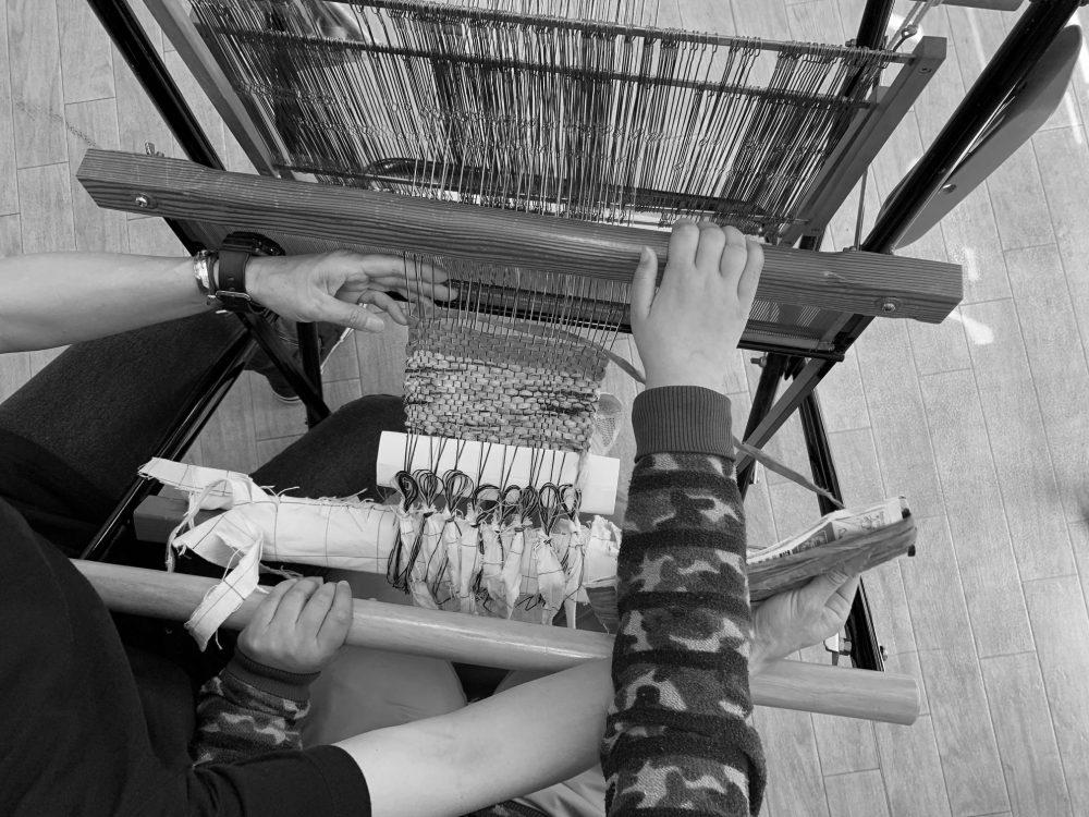 そらのいろ(所沢)さをり織り、作業風景