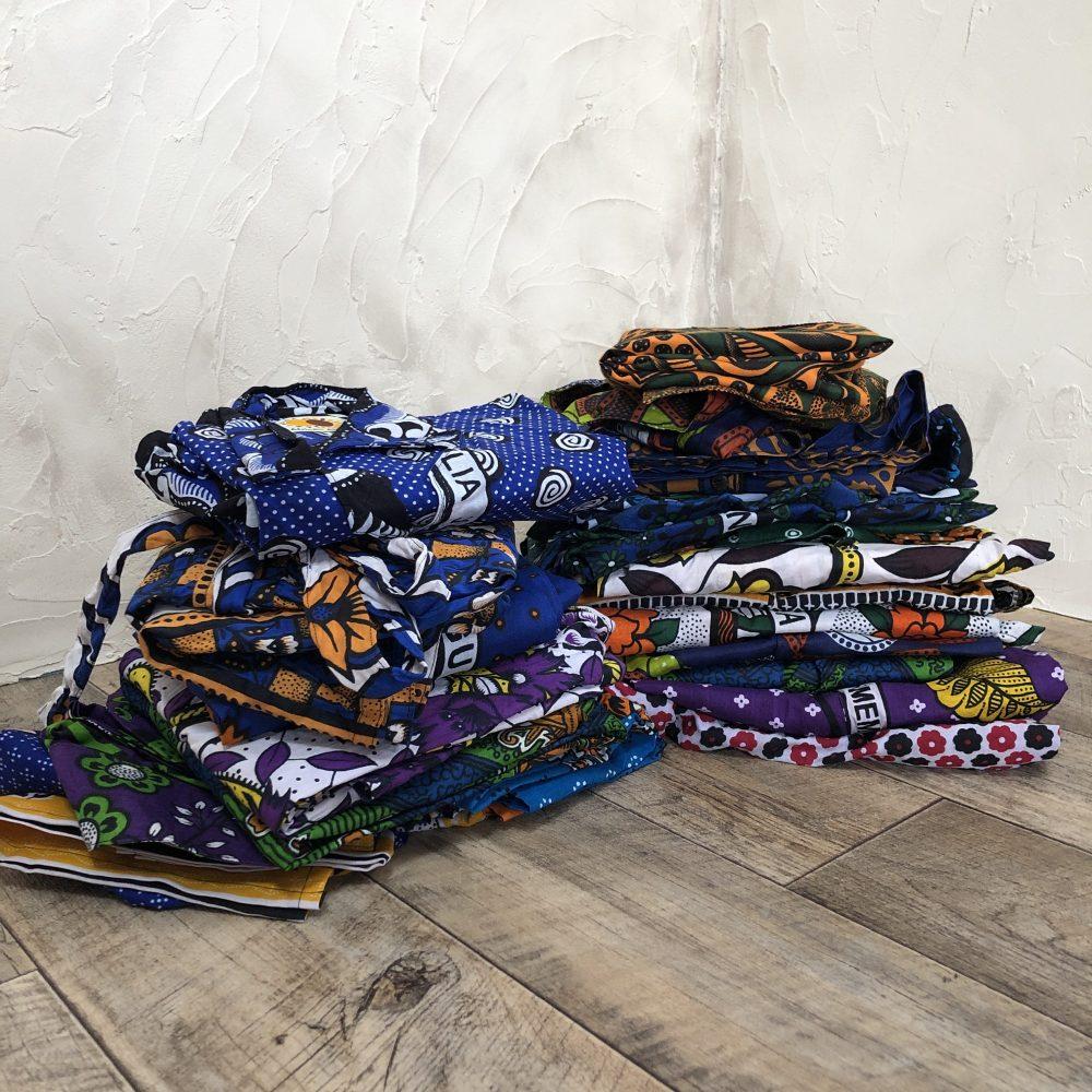 きびるアクション。アフリカ・ワックスプリントの洋服