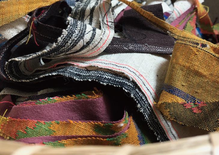 布のかけらを集めたポーチ|使い込んだような「愛着感」が楽しめます